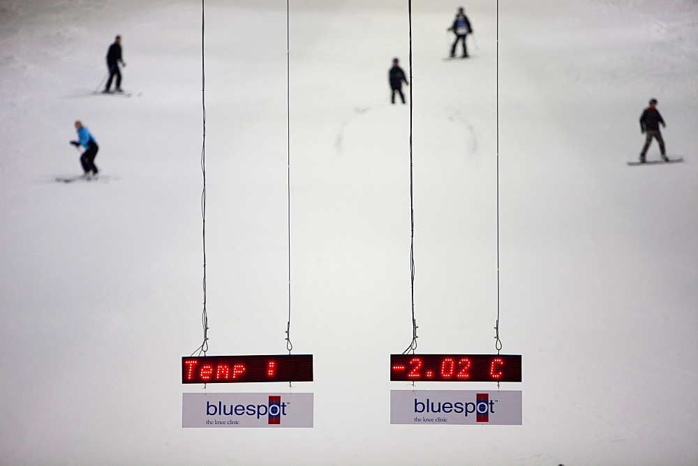 Skiers and snowboarders at the Chill Factor, an indoor skiing area in Manchester, England, United Kingdom, Europe