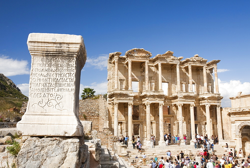 The Library of Celsus at Ephesus, an ancient Roman and Greek city in Izmir province, Anatolia, Turkey, Asia Minor, Eurasia