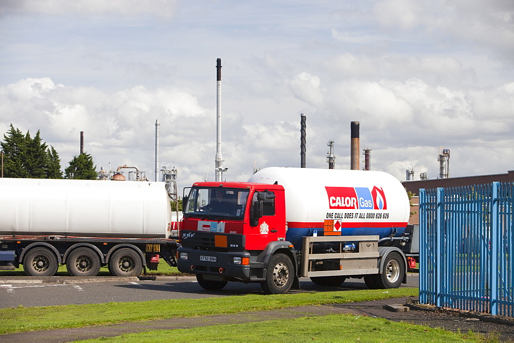Calor gas lorry at the Ineos oil refinery in Grangemouth, Scotland, United Kingdom, Europe