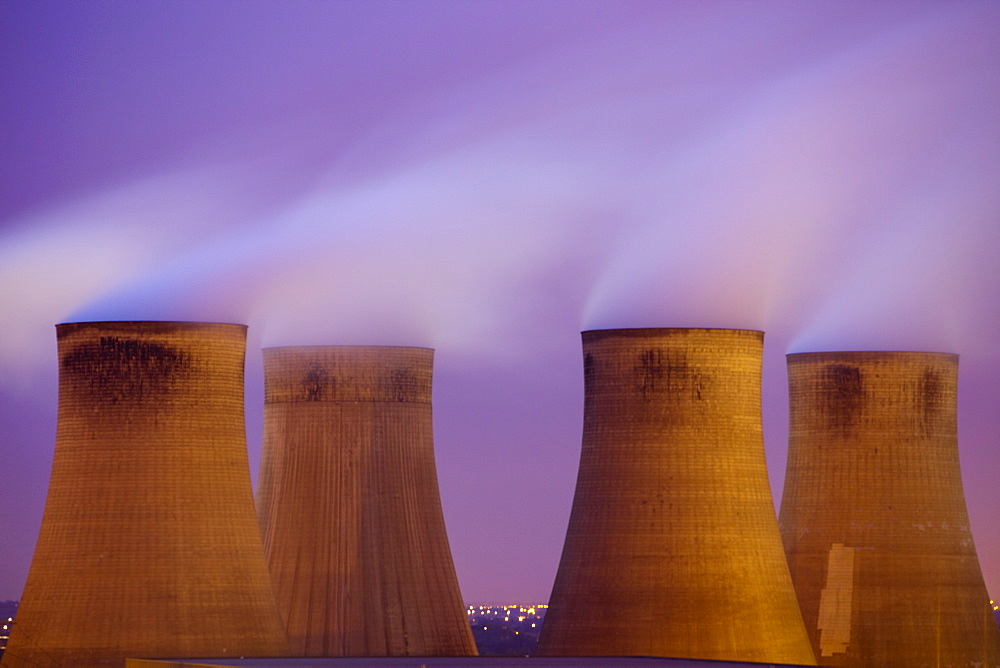 Ratcliffe on Soar coal fired power station at dusk in Leicestershire, England, United Kingdom, Europe - 911-6538