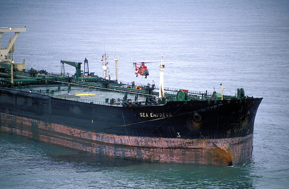 Sea Empress Oil Tanker and Surrounding Spillage, Milford Haven, Pembrokeshire, West Wales      (rr)
