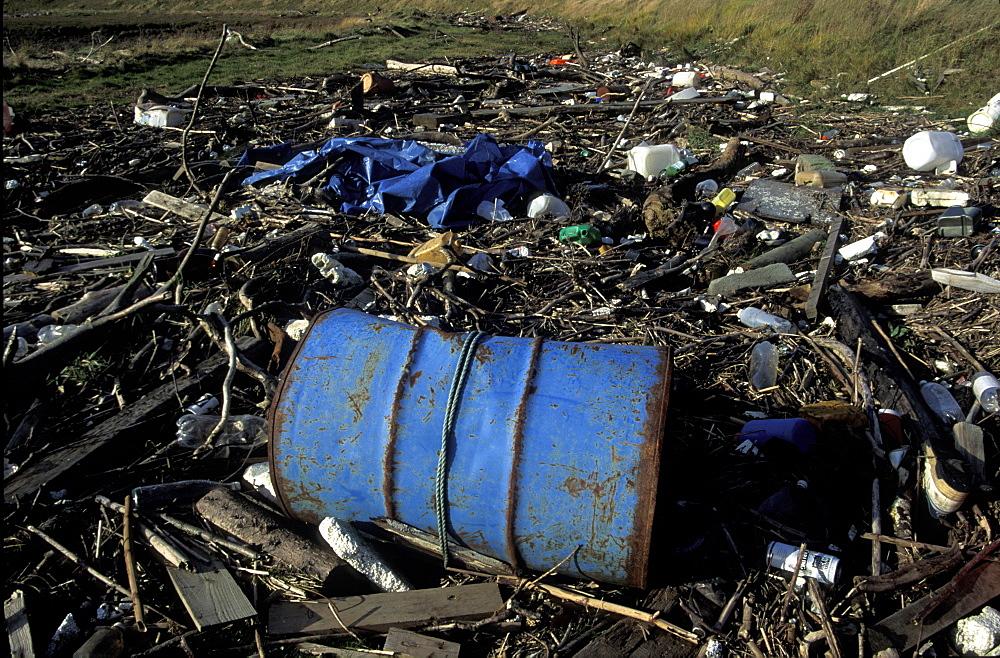 Strandline pollution along the River Rhymney, Wales, UK