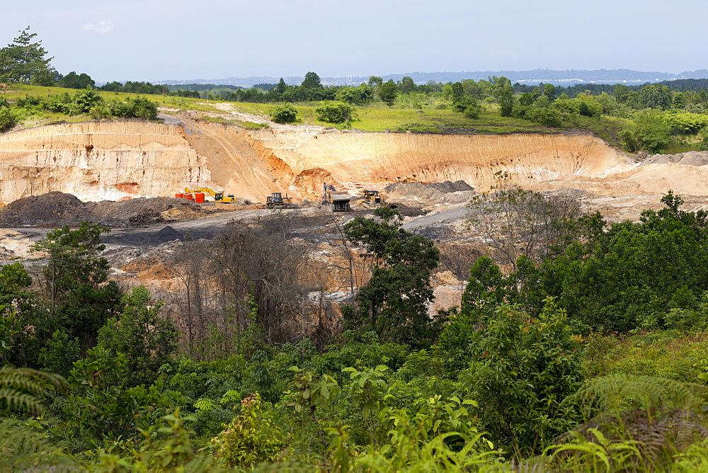 Lignite surface mine. Balikpapan Bay, East Kalimantan, Borneo, Indonesia, Southeast Asia, Asia - 918-10