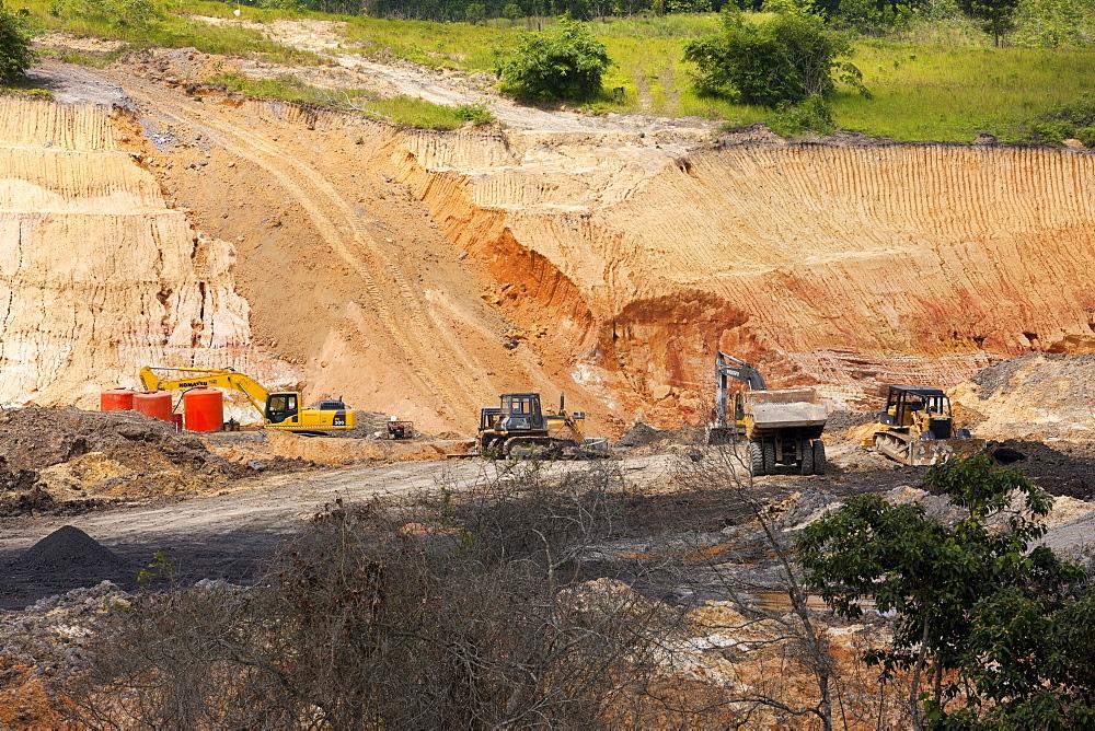 Lignite surface mine. Balikpapan Bay, East Kalimantan, Borneo, Indonesia, Southeast Asia, Asia - 918-11