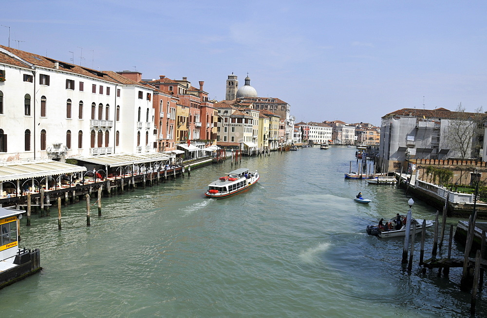 Ferry on the Grand Canal, Venice, UNESCO World Heritage Site, Veneto, Italy, Europe