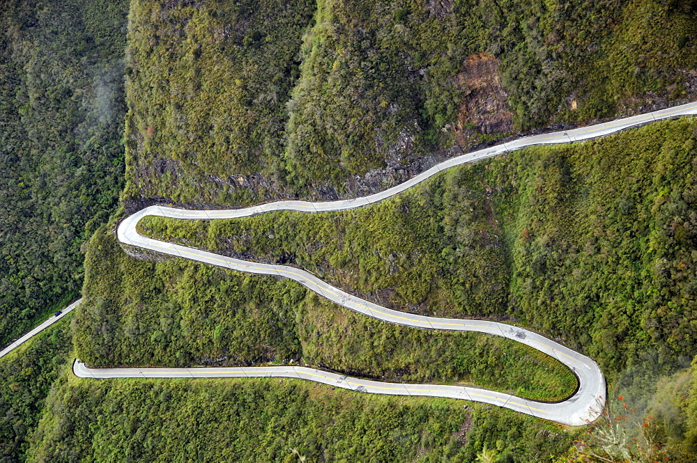 Series of hairpins on a winding road snaking along Serra do Rio do Rastro, Santa Catarina, connecting the Brazilian plateau with the coastal towns, Brazil, South America