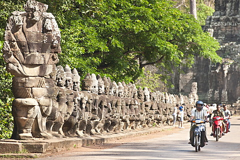 South Gate to Angkor Thom, Angkor, UNESCO World Heritage Site, Siem Reap, Cambodia, Indochina, Southeast Asia, Asia  - 921-1217