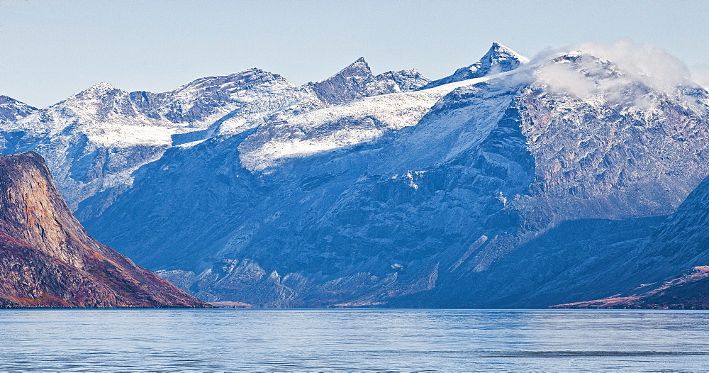 Mountains surrounding town of Pangnirtung. Cape Dyer, Baffin Island, Canada, North America