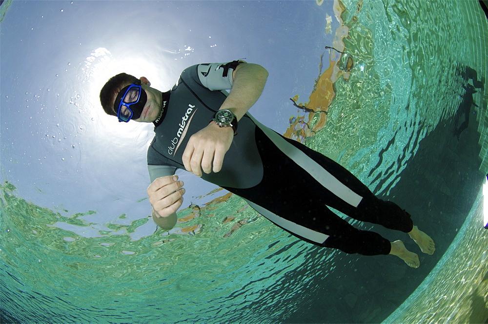 Sara Campbell world Champion freediver running freediving courses in Dahab. Egypt.