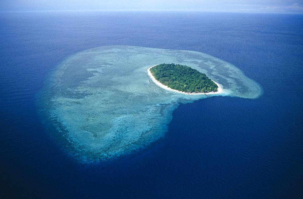 Pulau Sipidan, Borneo. - 970-913
