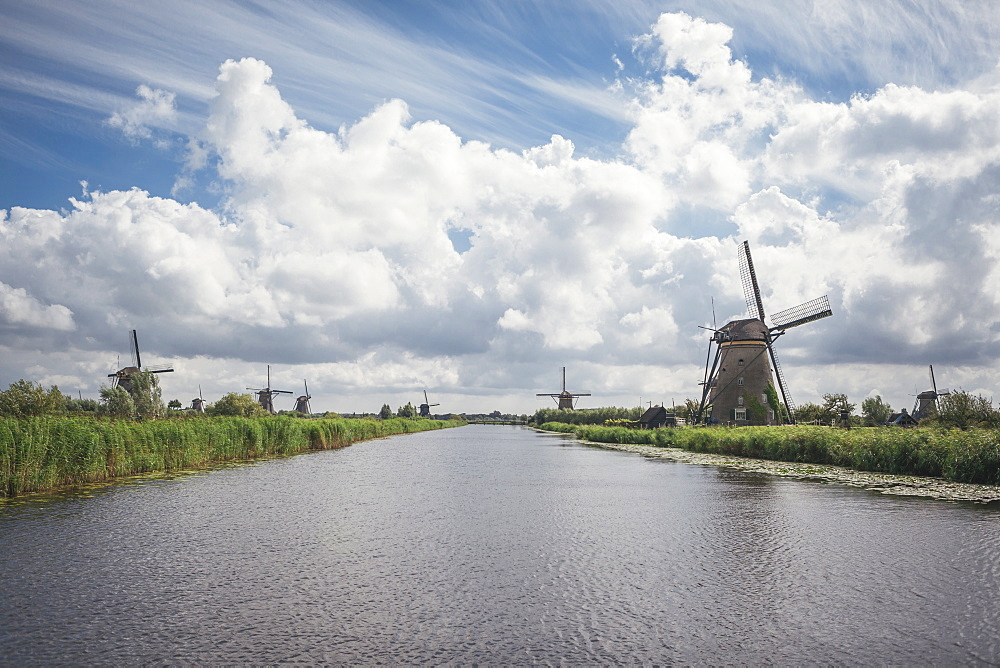 Canal and windmills, Kinderdijk, UNESCO World Heritage Site, South Holland, The Netherlands, Europe  - 974-375