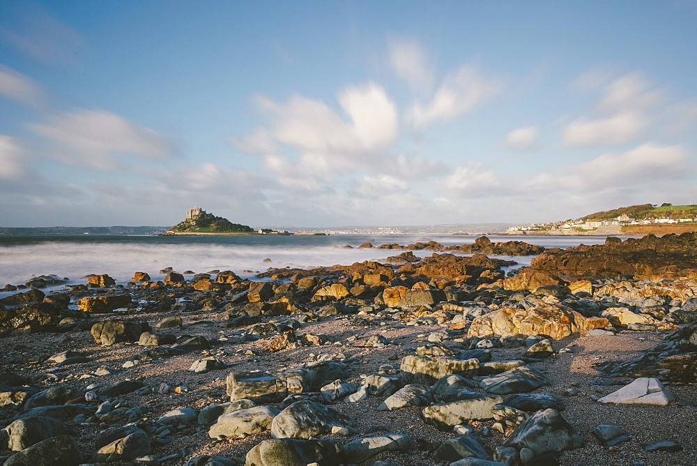 Rocky shoreline and St. Michaels Mount, early morning, Cornwall, England, United Kingdom, Europe  - 974-390