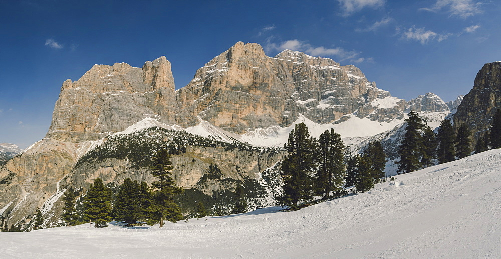 Hidden Valley ski area, Lagazuoi, UNESCO World Heritage Site, Dolomites, South Tyrol, Italy, Europe - 974-443