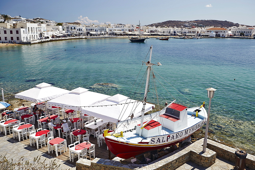 View of the harbour, Mykonos Town (Chora), Mykonos, Cyclades, Greek Islands, Greece, Europe - 975-277