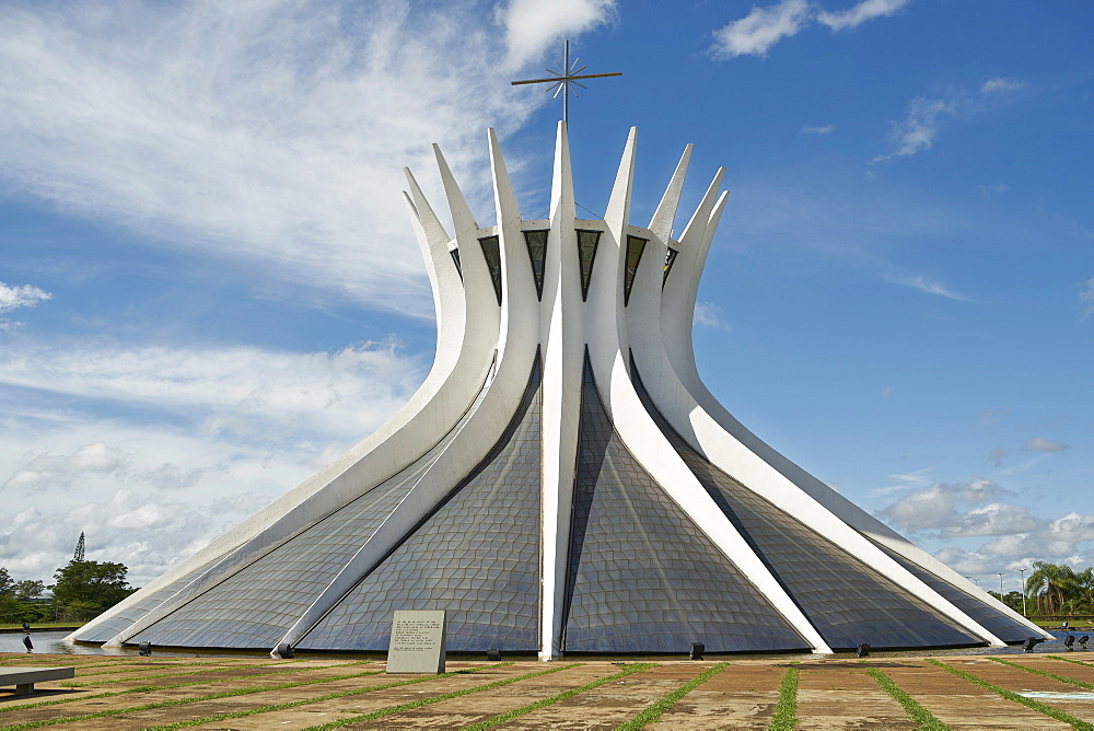 Metropolitan Cathedral designed by Oscar Niemeyer in 1959, Brasilia, UNESCO World Heritage Site, Brazil, South America - 975-311