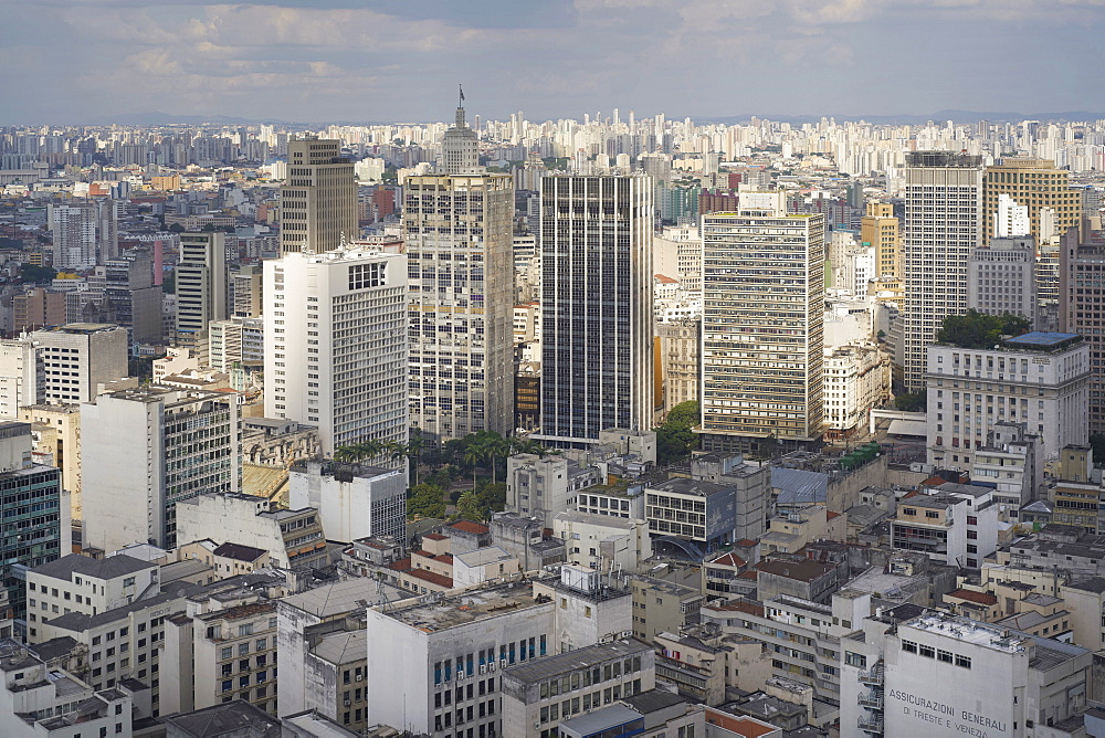 Centro Sao Paulo traditionally the highest concentration of skyscrapers, new high-rise rub shoulders with more modest structures, Sao Paulo, Brazil, South America - 975-319