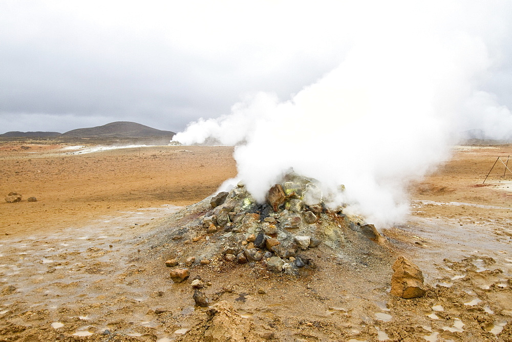 A view of the boiling mud at Númafjall, Iceland. MORE INFO This site contains many mudpots and mud pools, a sort of hot spring or fumarole consisting of a pool of usually bubbling mud. Mudpots form in high-temperature geothermal areas where water is in short supply.