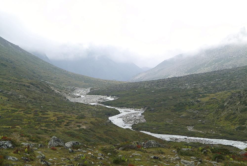 Mountain River. Mountain and Clouds. Himalayas, Tibet. - 986-119