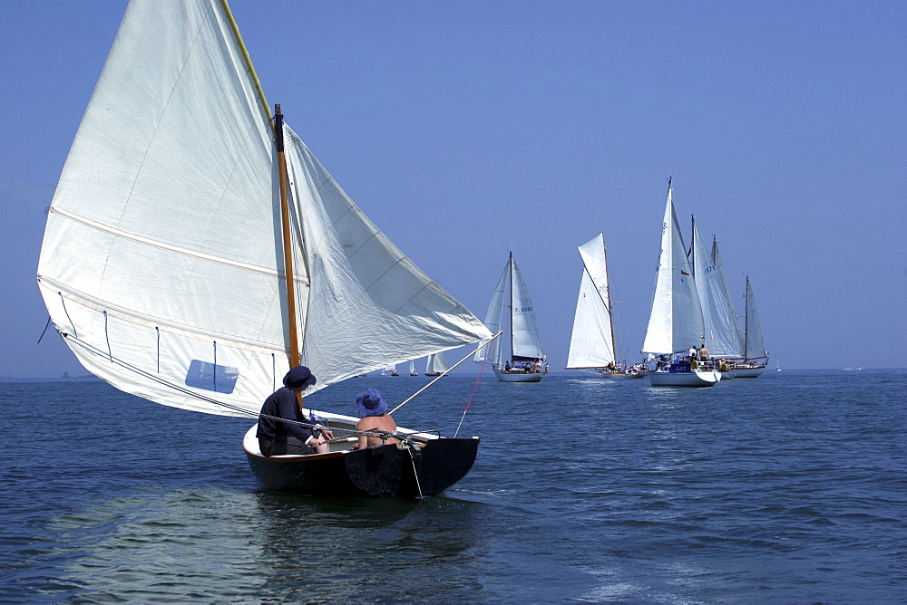 Yachts. Classic Boats, Sailing River Dart, Dartmouth, Devon. - 986-12
