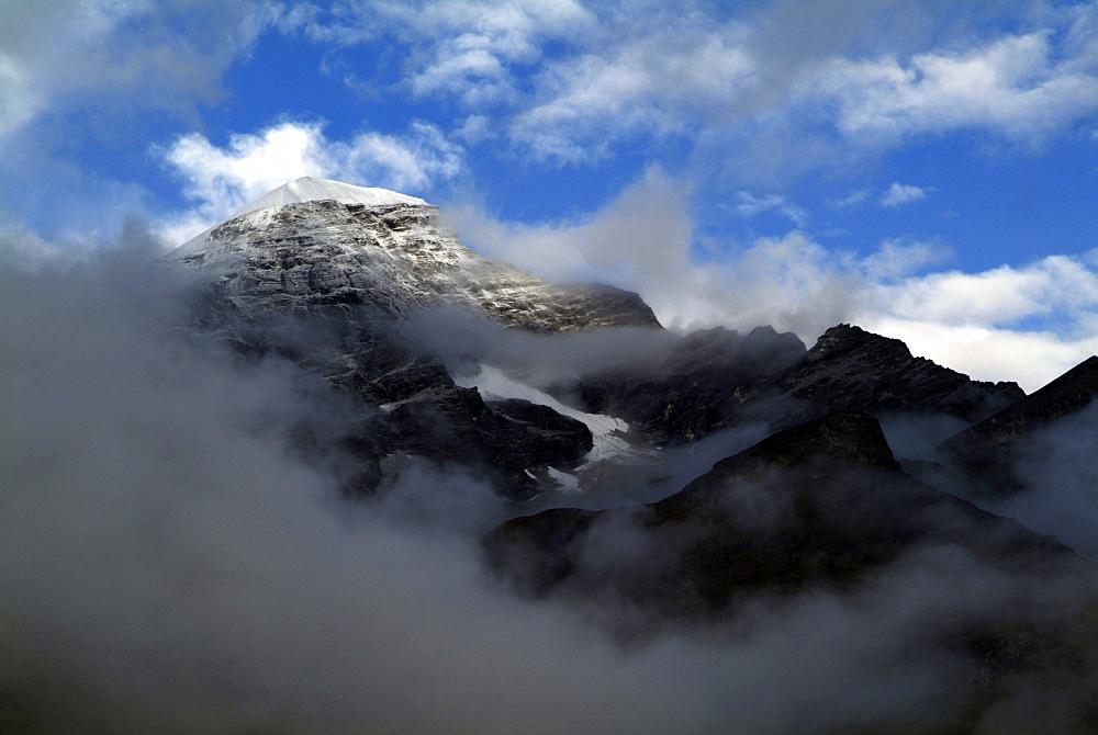 Mountain and Clouds. Himalayas, Tibet. - 986-123