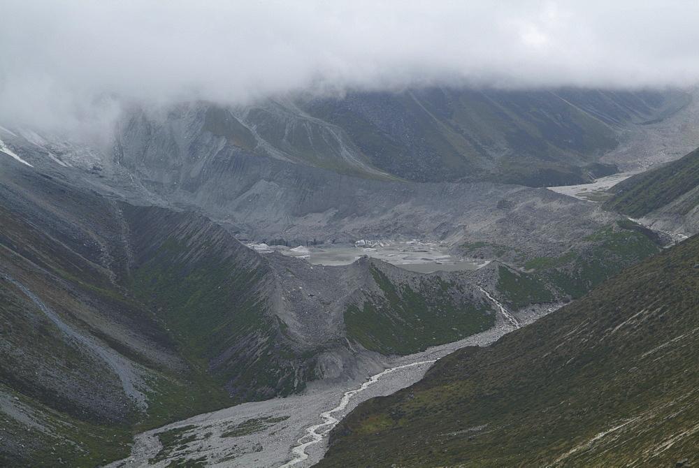 Mountain Glacier.River and clouds,  Himalayas, Tibet. - 986-126