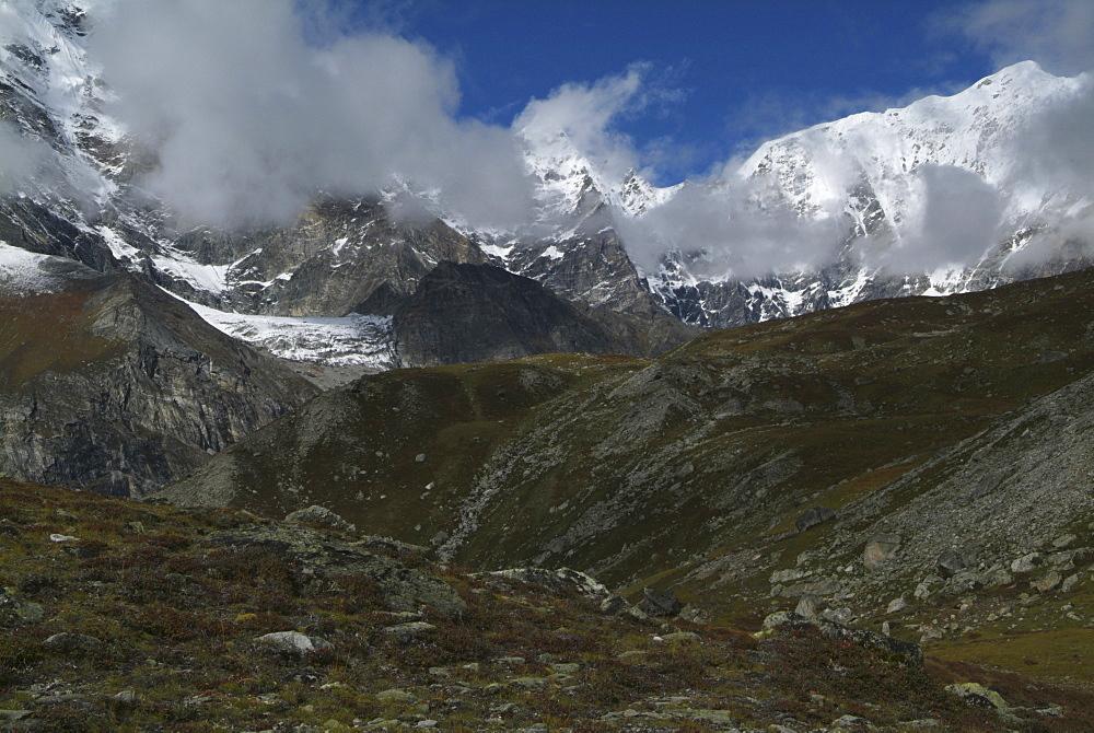 Tibetan  Mountain and Clouds.  Himalayas, Tibet. - 986-134