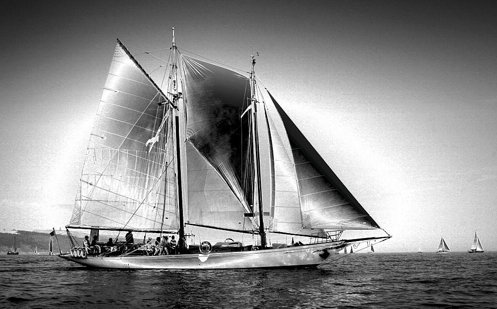 Yachts. Classic Boats, Sailing River Dart, Dartmouth, Devon. - 986-20