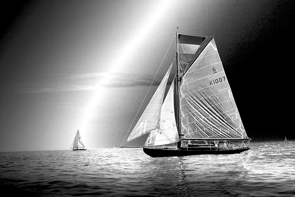 Yachts. Classic Boats, Sailing River Dart, Dartmouth, Devon. - 986-25