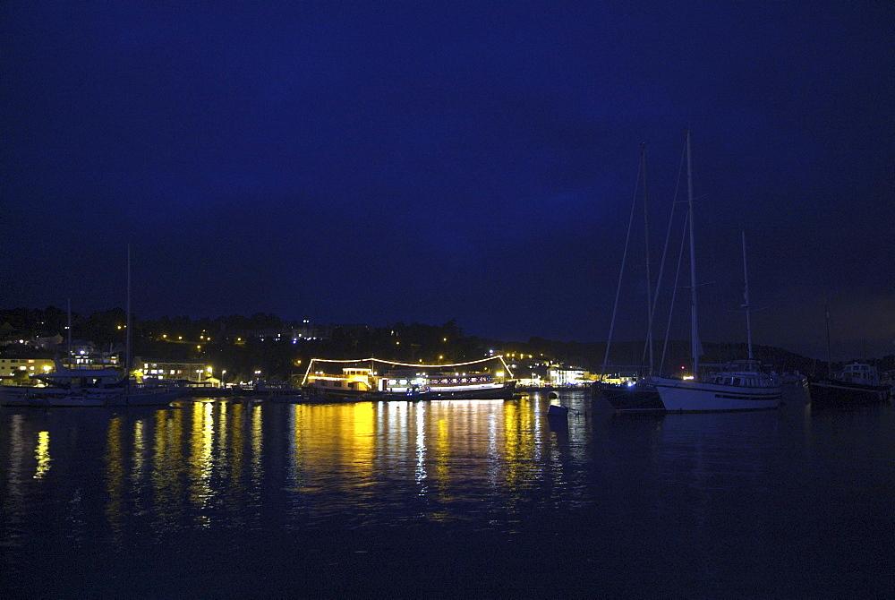 Resanova. Floating Restaurant, River Dart, Dartmouth, Devon. - 986-34