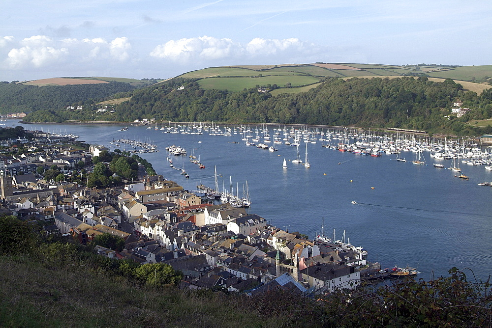 Dartmouth & Kingswear. River Dart and Town. - 986-39