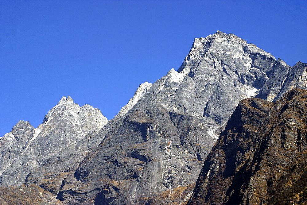 Himalayan Scenic. Mountain Peaks. Nepal. - 986-62