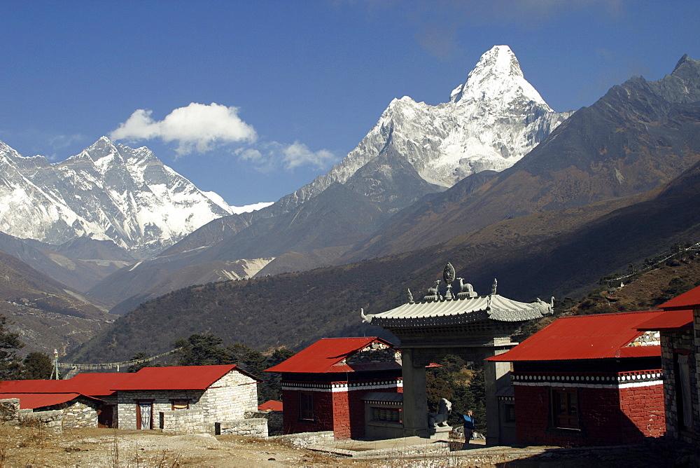 Tengboche Monastery. Ama Dablan, Everest Trail, Nepal. - 986-64