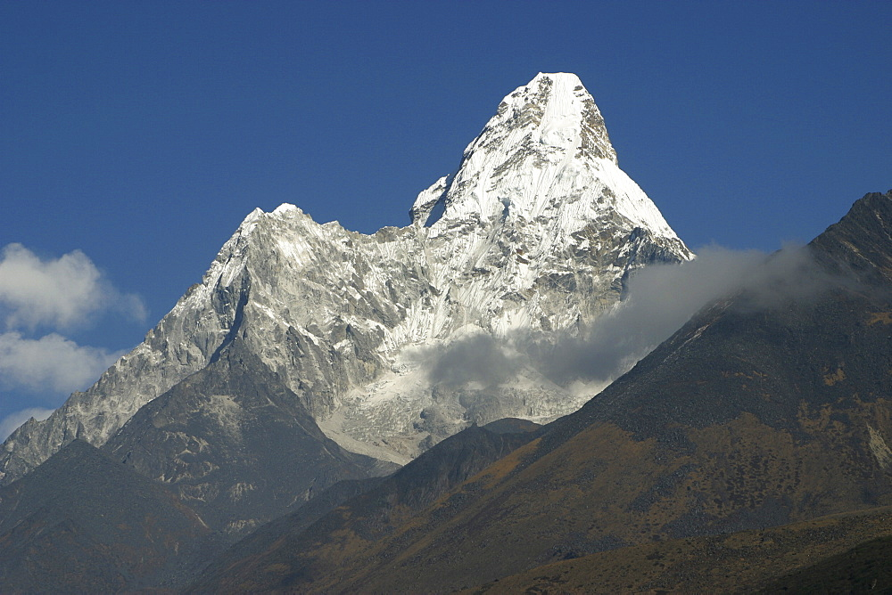Ama Dablam. Mountains of Nepal, from Everest Trail. - 986-65
