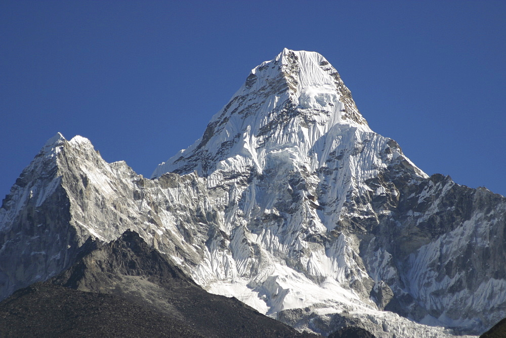 Ama Dablam. Mountains of Nepal, from Everest Trail. - 986-67