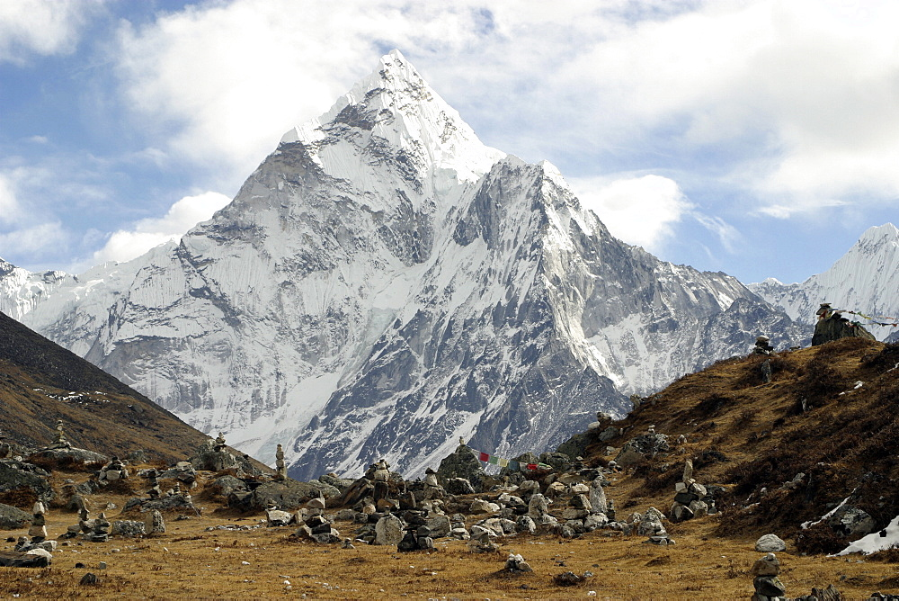 Mountains of Nepal, from Everest Trail. Nepal - 986-72