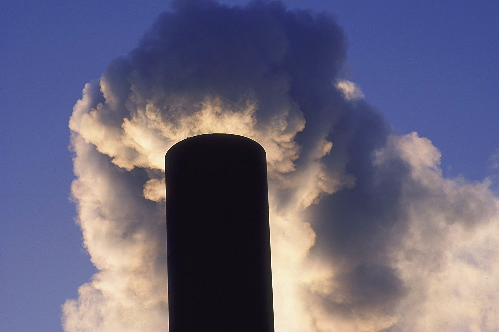 pollution smoke from incinerator dundee scotland - 987-106