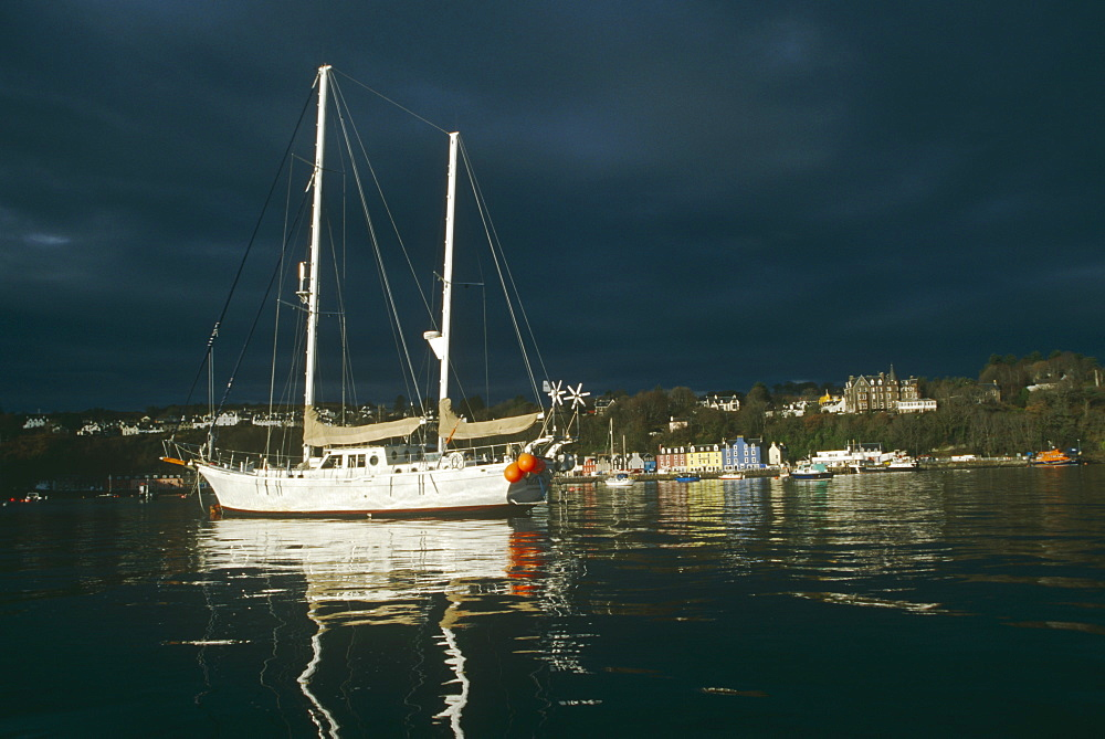 Research yacht in Tobermory Bay.  'Silurian' is the research vessel of the Hebridean Whale and Dolphin Trust, based in Tobermory.  Isle of Mull, Scotland