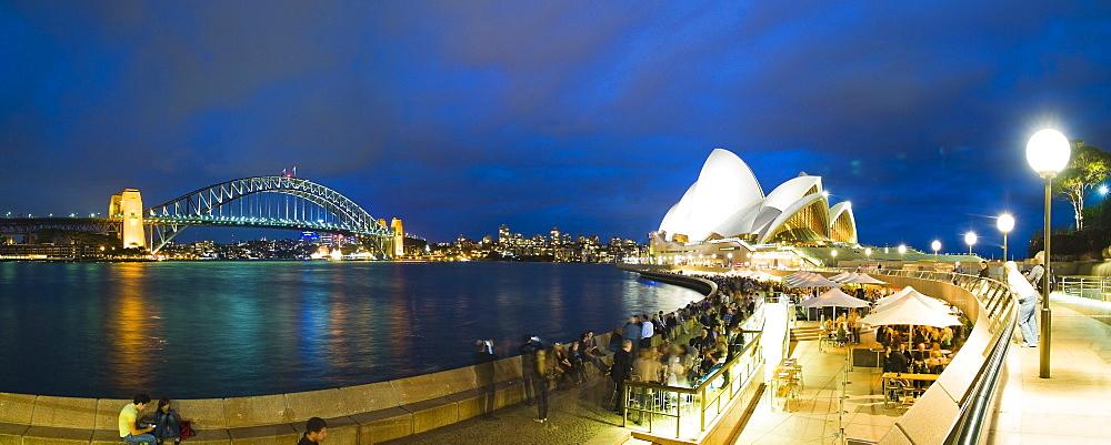 Sydney Opera House, UNESCO World Heritage Site, Harbour Bridge, Opera Bar and Sydney Harbour at night, Sydney, New South Wales, Australia, Pacific