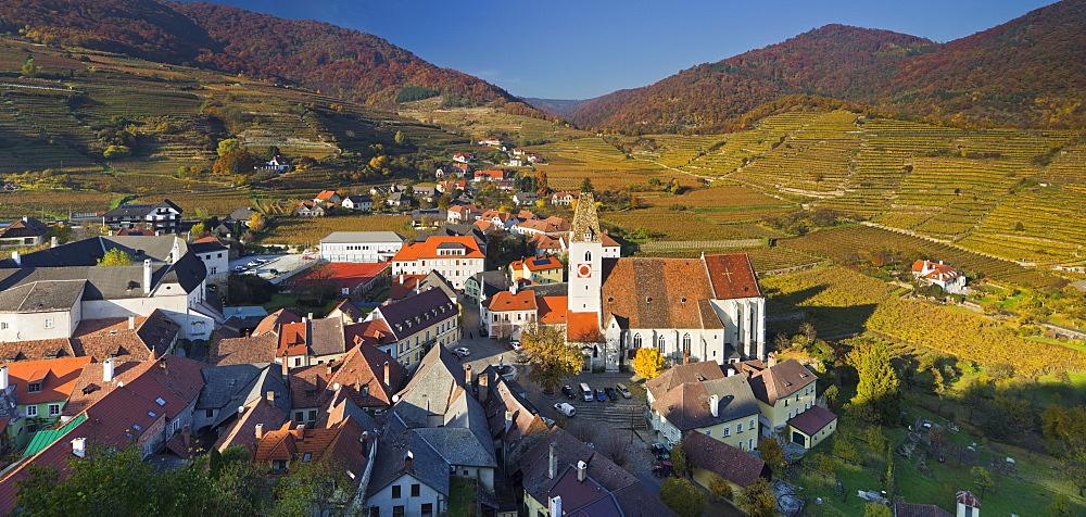 The village Spitz an der Donau in front of vineyards, Wachau, Lower Austria, Austria, Europe