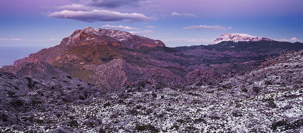 Snow in the mountains in the evening, Puig Roig, Coll de Cals Reis, Serra de Tramuntana, Mallorca, Spain, Europe