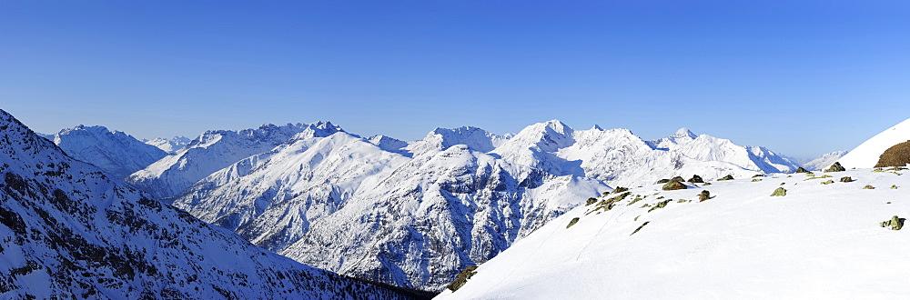 Panorama with view to Monte Cassa del Ferro, Piz da l`Aqua, Piz Murter, Piz Serra, Piz Quattervals and Piz d`Esan, Piz Nuna, Swiss National Park, Engadin, Grisons, Switzerland