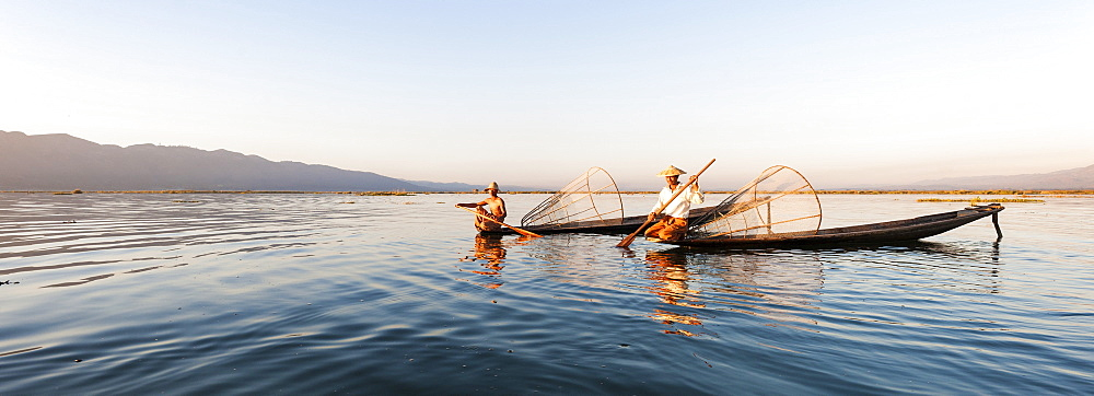 Traditional fisherman on Inle lake, Shan State, Myanmar (Burma), Asia - 1186-29