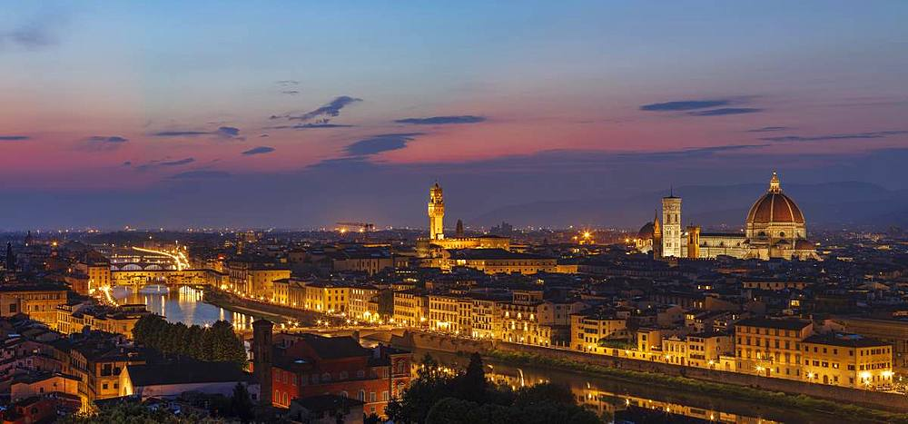 Panorama of the Florence skyline at dusk with the Palazzo Vecchio, Duomo and Campanile extending above the horizon, Florence, UNESCO World Heritage Site, Tuscany, Italy, Europe - 1219-254