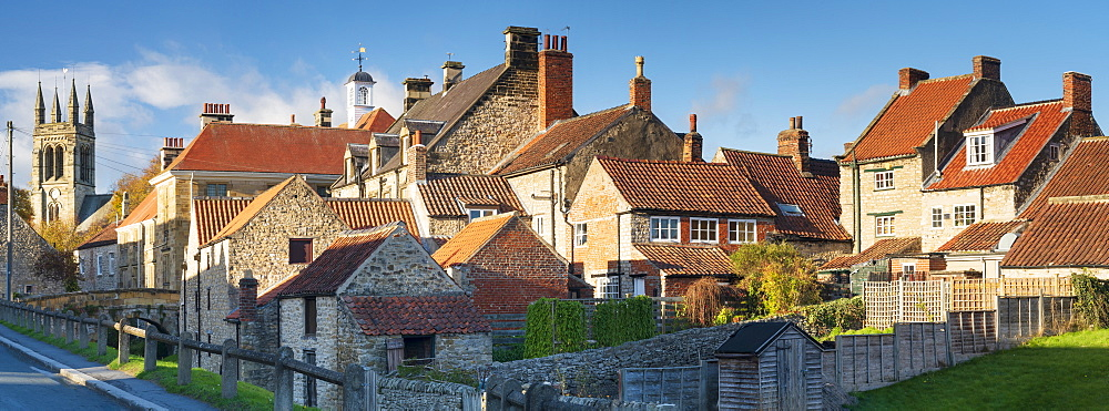 Helmsley market town in the Ryedale district of North Yorkshire, UK. - 1228-189