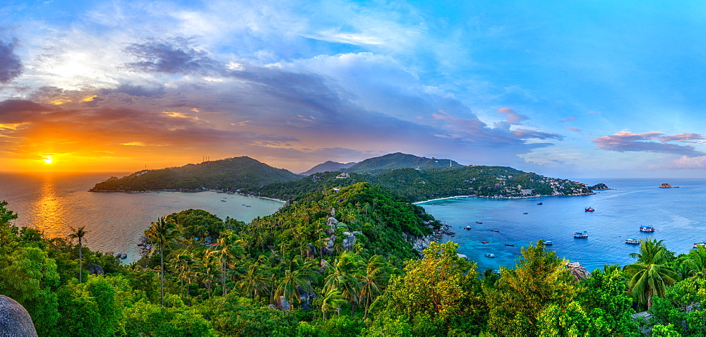 The sun sets over another beautiful day on Koh Tao in southern Thailand, Southeast Asia, Asia