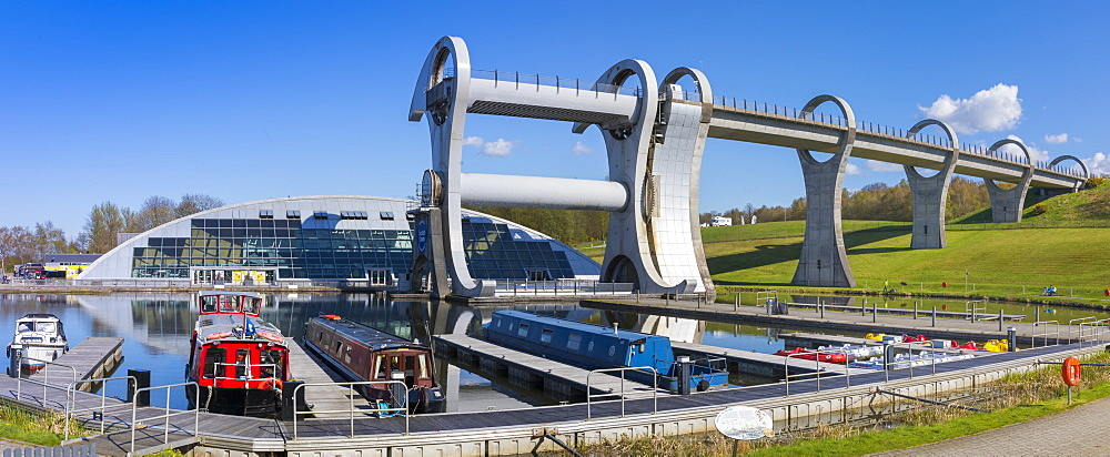 The Falkirk Wheel, Forth and Clyde Canal with Union Canal, Falkirk, Scotland, United Kingdom, Europe - 1237-208