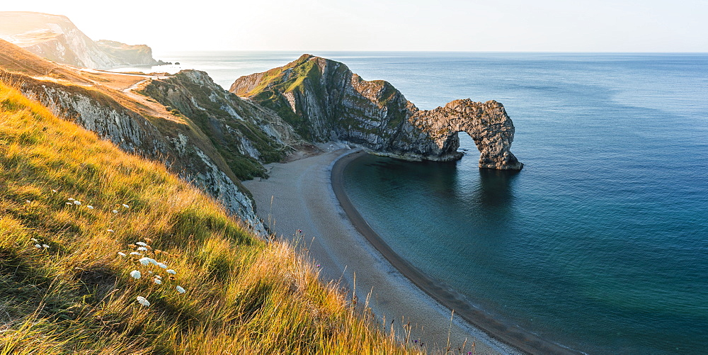 View from clifftop to Durdle Door, Jurassic Coast, UNESCO World Heritage Site, West Lulworth, Dorset, England, United Kingdom, Europe