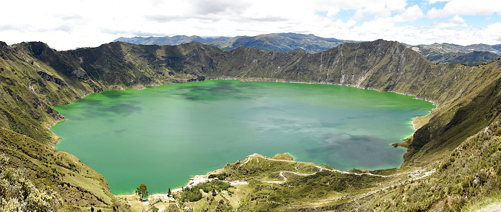 Lago Quilotoa, caldera lake in extinct volcano in central highlands of Andes, Ecuador, South America - 29-5436