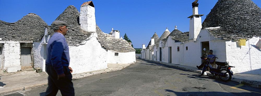 Trulli, typical dwellings, Alberobello, UNESCO World Heritage Site, Puglia, Italy, Europe