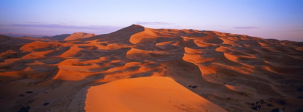 Merzouga and Erg Chebbi desert, Tafilalt, Morocco, North Africa, Africa